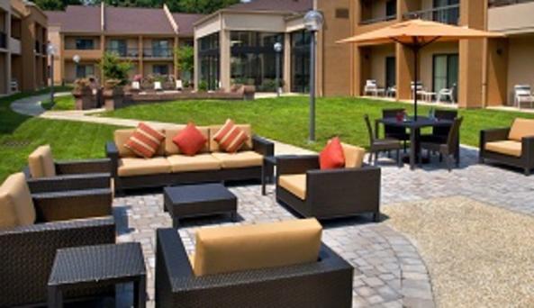 Courtyard Poughkeepsie - 2014 terrace