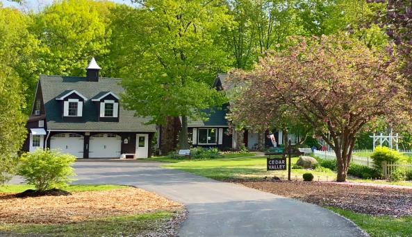 Woolston Cedar Valley Lodge