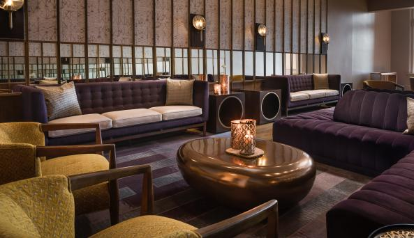 Hotel Henry's Lounge