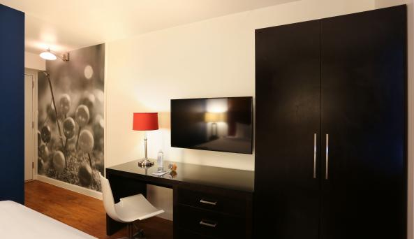 Hotel Hayden - King Room Accommodation