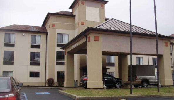 Comfort Inn & Suites at the Ballpark