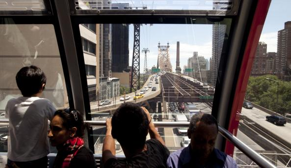 Roosevelt Island Tram _ Photo by Joe Buglewicz _ Courtesy of NYC & Co