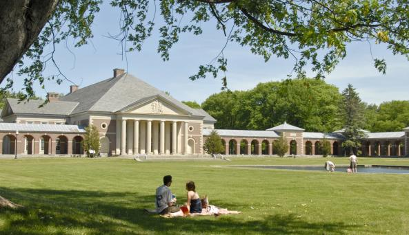 Picnicking at Saratoga Spa State Park