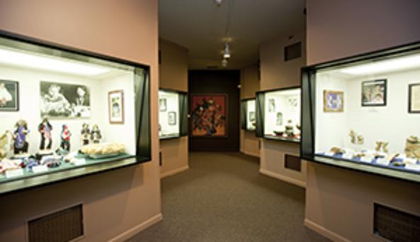 inside the Seneca Iroquois National Museum