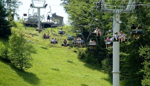 skijumps_chairlift.jpg