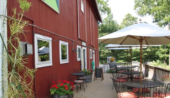 billsboro-winery-geneva-exterior-patio-tasting-entrance-side