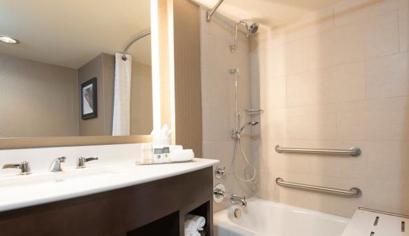 Bright, modern bathroom
