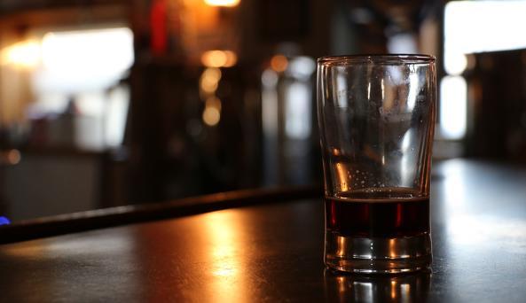 three-huskies-brewing-canandaigua-glass-of-bee