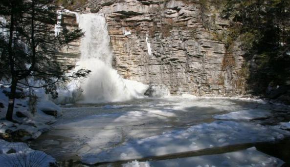 falls, winter.jpg