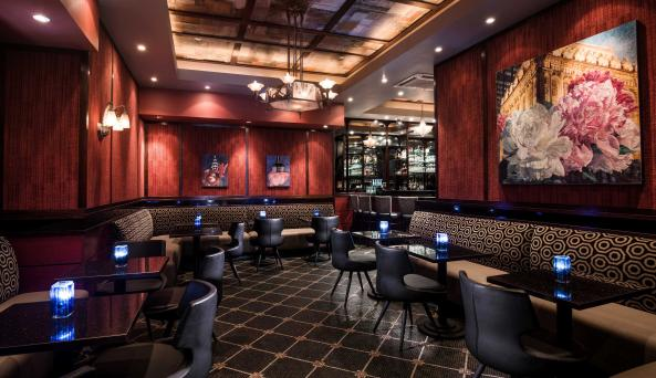 dining at Washington Square Hotel