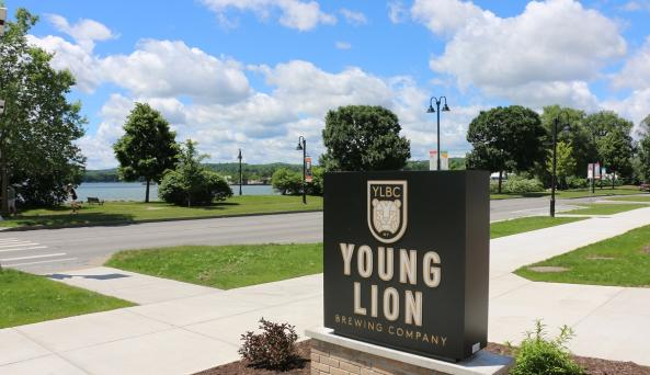 young-lion-brewing-canandaigua-exterior