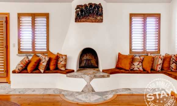 Solitude 2 - Living Room 2.jpg_small.jpg