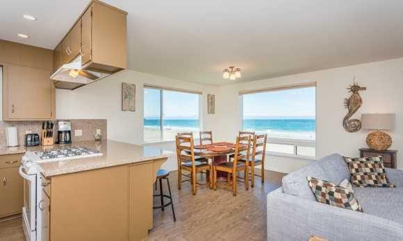 0005_Kitchen & Dining Room_3620 Studio.jpg