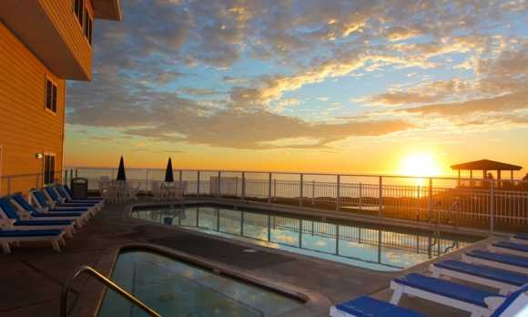 Pismo Lighthouse Suites_Pool_Web.jpg