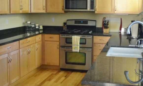 69SM_Kitchen.jpg