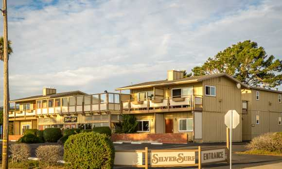 Silver Surf Motel