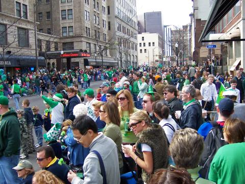 Crowd watches the Parade on East Ave