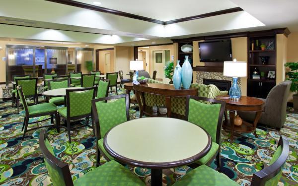 Green themed lobby at the Holiday Inn Express
