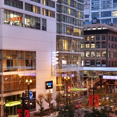 theWit Chicago – A DoubleTree By Hilton Hotel