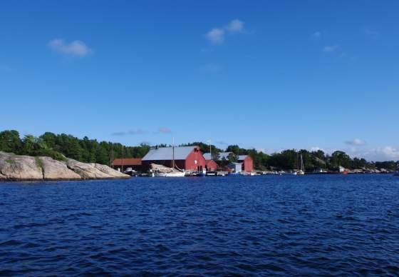 Båttransport til Bragdøya fra Auglandsbukta i Vågsbygd