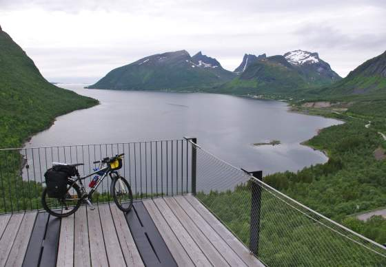 Biking along the Arctic Coast | Discover Norway