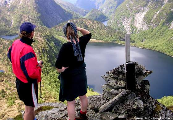 Hiking and Biking – in Norwegian Footsteps