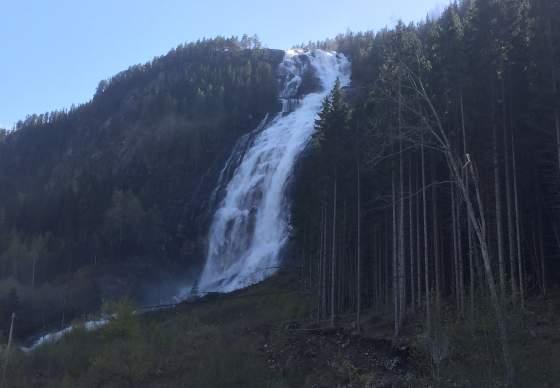 Reiårsfossen Camp