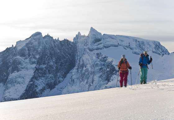 Guided ski touring in the Romsdals alps