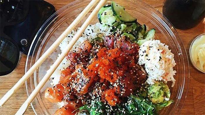 Poki Star bowl with chopsticks