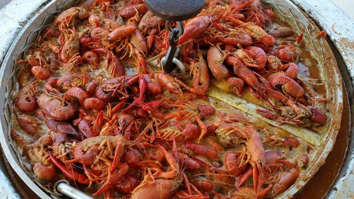 calhouns crawfish co.