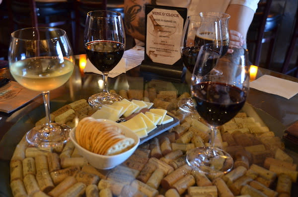 Wines & Cheese Plate