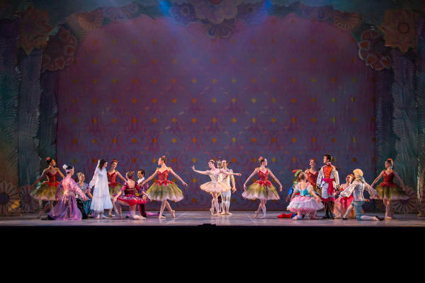 Ballet Austin performing The Nutcracker on stage