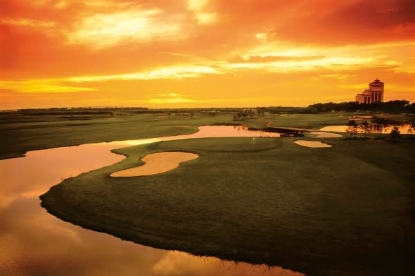 Sunset Golf at L'Auberge Casino Resort