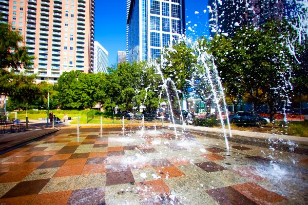 A fountain at Discovery Green