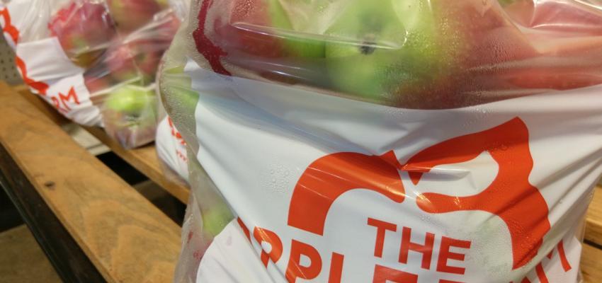 the-apple-farm-victor-interior-bag-of-apples