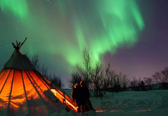 "Nordlys Safari til ""Borealis Camp"""
