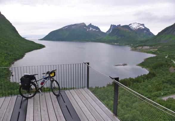 Biking along the Arctic Coast | Discover Norway