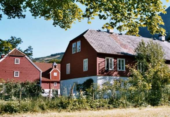 Baroniet Rosendal Avlsgård & Fruehus