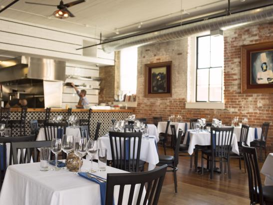 A casual dining atmosphere   credit olivejuicestudios.com