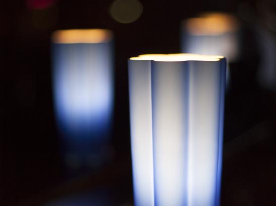 Lanterns set the stage for a cozy scene | credit olivejuicestudios.com