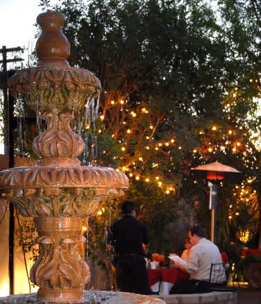 Zocalos fountain