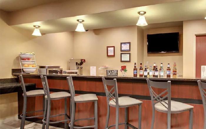 Connellsville Cobblestone Hotel and Suites