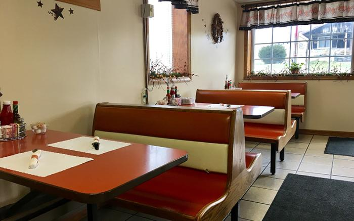 Brenda's Family Restaurant - Booths