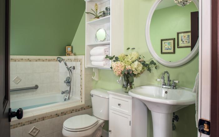 The Artist's Suite Jaccuzzi Bath