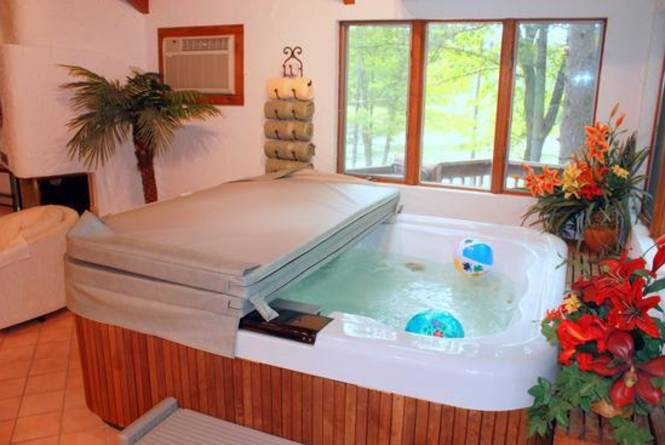 Private Jacuzzi in the Bay Chalet Suite