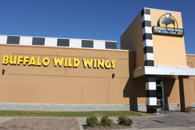 Buffalo-Wild-Wings-2.jpg