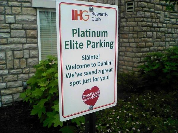 Holiday Inn Express Parking