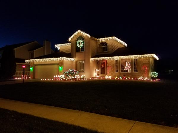Best Christmas Lights Display - Scarlet Court