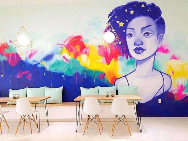 Honey Art Café in Houston
