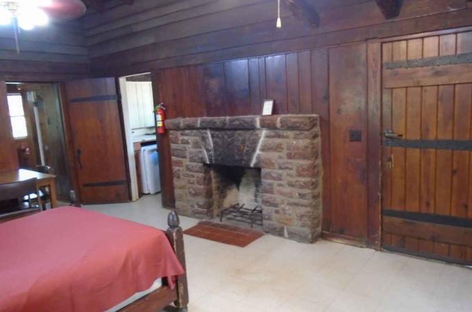 Bowie Cabin Bedroom